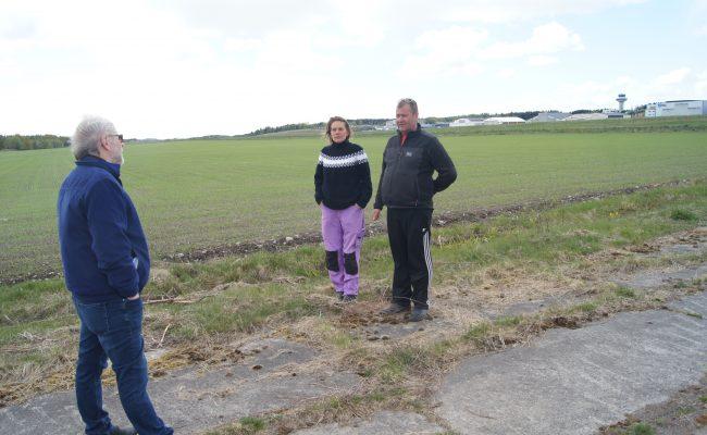 Jordvern Vestfolds leder Hans Huseby kjemper for at Aina og Kjetil Helland fortsatt skal få produsere mat øst for Torp.